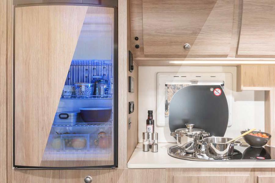 koelkast in 4x4 camper