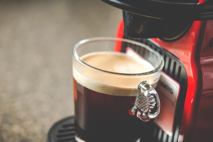 camper uitrusting Nespresso koffieapparaat