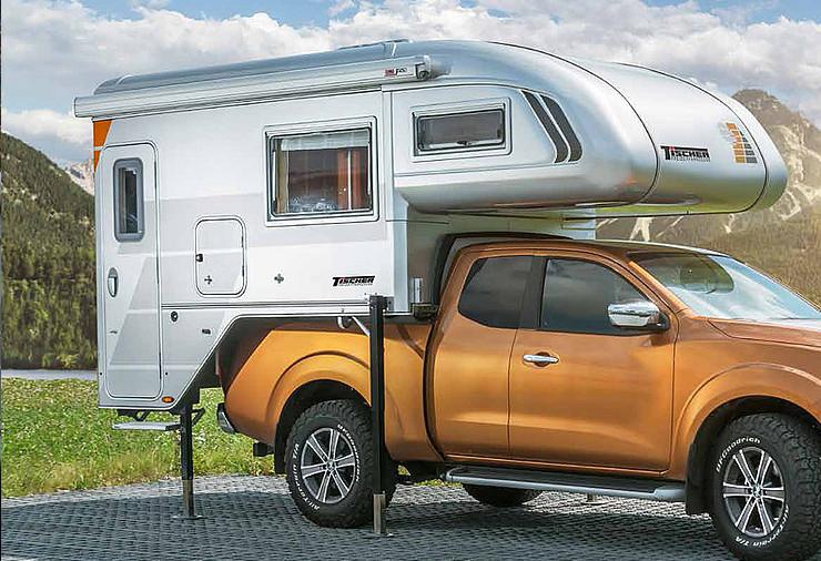 4x4 camper unit op 4wd auto met poten uit