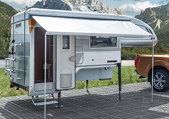 Luxe camper afzetunit met brede luifel
