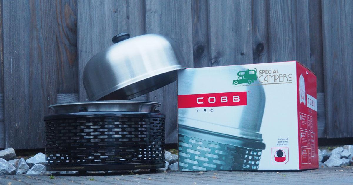 de Cobb barbecue onderdeel van camper uitrusting