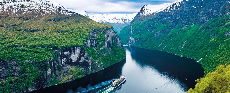 Noorwegen met uitzicht op fjord