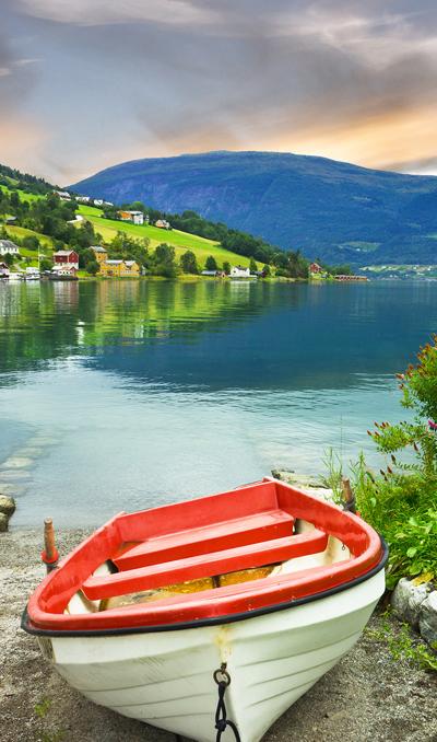 Uitzocht op fjord in Noorwegen