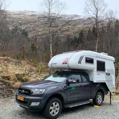 Wildkamperen in de bergen Noorwegen