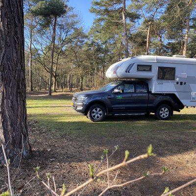 4x4 camper op camping in bos brabant